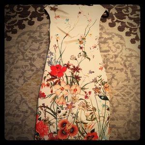 Zara woman floral midi dress.